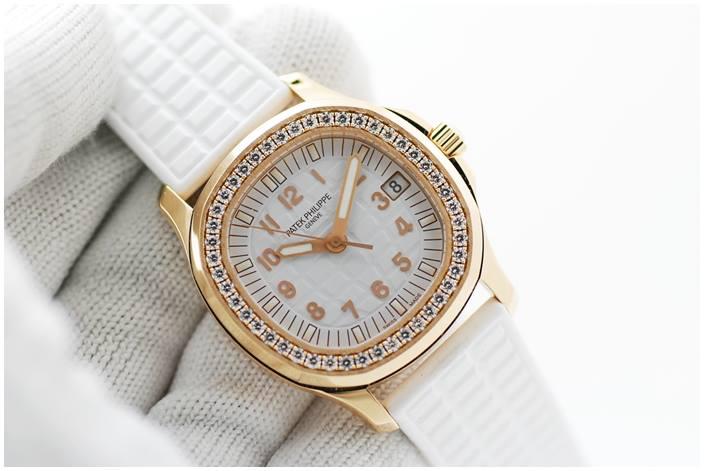 นาฬิกาข้อมือผู้หญิง Patek Phil