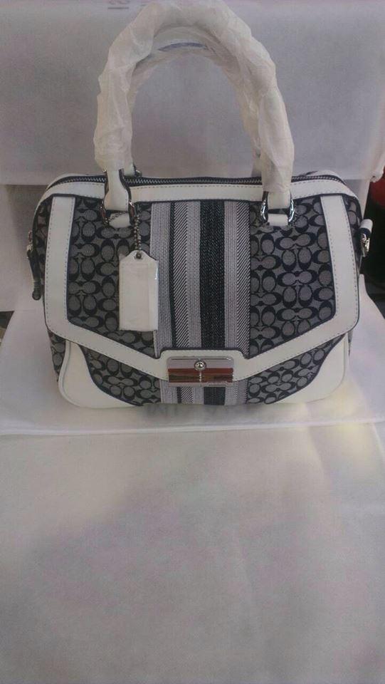 กระเป๋าถือ Coach Longchamp ราค